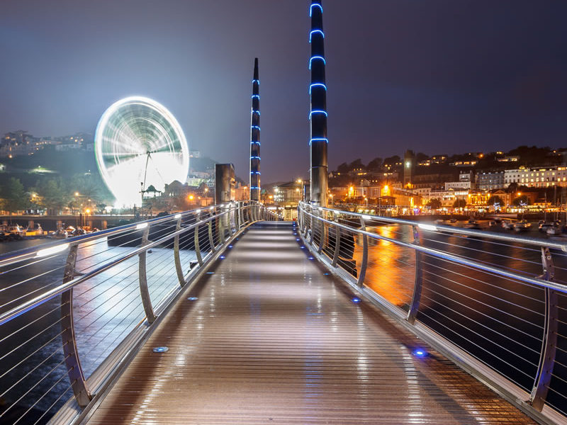 Millennium-Bridge-and-Observation-Wheel